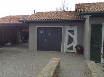 Porte de garage 3 volets et porte d'entrée BPSC Océane
