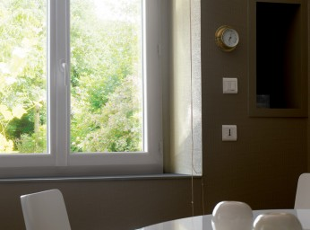 Fenêtre salon PVC blanc triple vitrage BPSC Océane