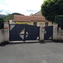 Portail électrique et porte d'entrée